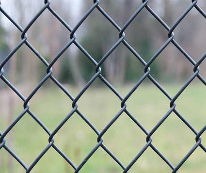 Welding VS. Woven Fencing